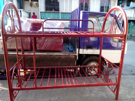 For sale metal double deck bed at p5 only for Double deck bed for sale