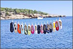 content/attachments/13702-havaianas-origine-feel-free-and-cheerful-face-any-situation-your-feet-covered-1.jpg